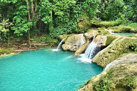 Rondreis Jamaica Blue Hole Falls